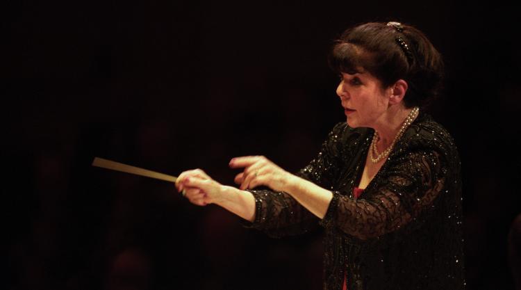 photo of Eve Queler