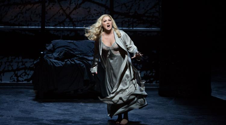 Anna Netrebko in Macbeth
