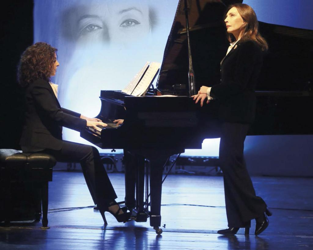 photo of Maria Rosaria Omaggio and Cristiana Pegoraro