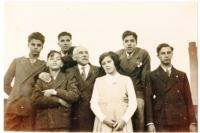 Leo Yeni family photograph